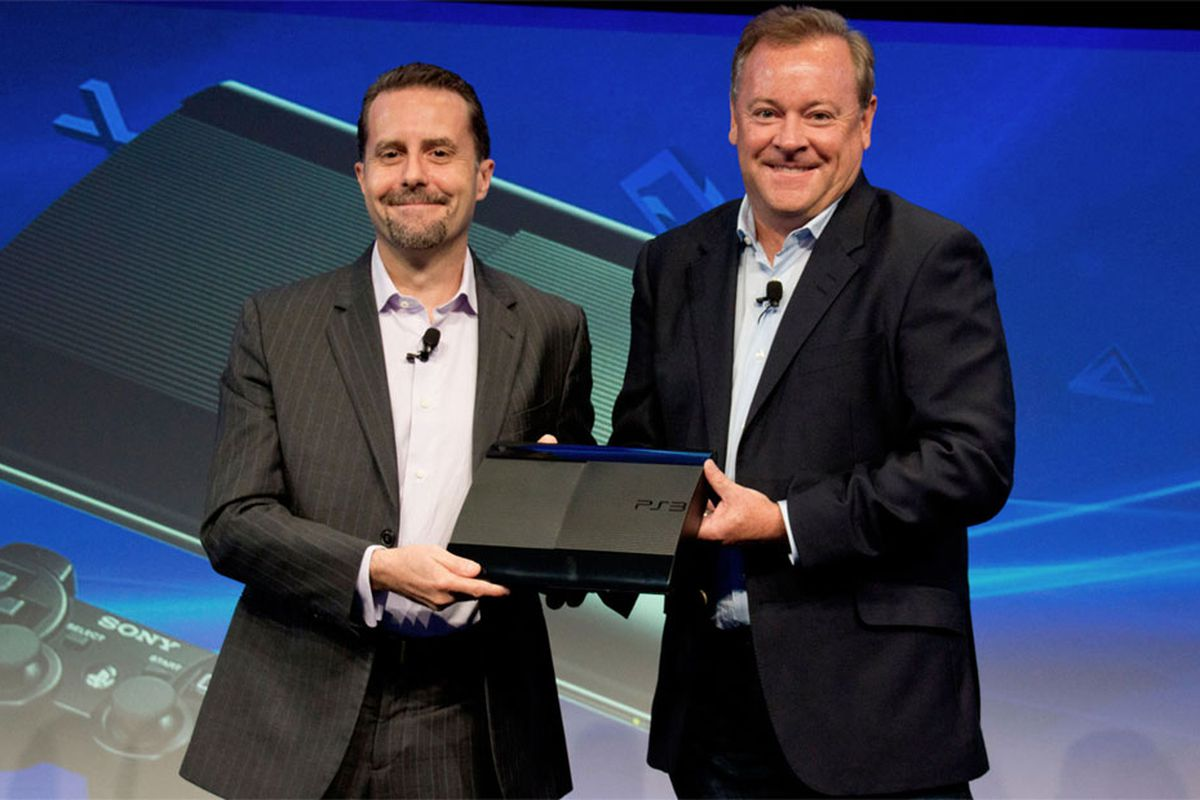 Jack Tretton Showing Off The PS3
